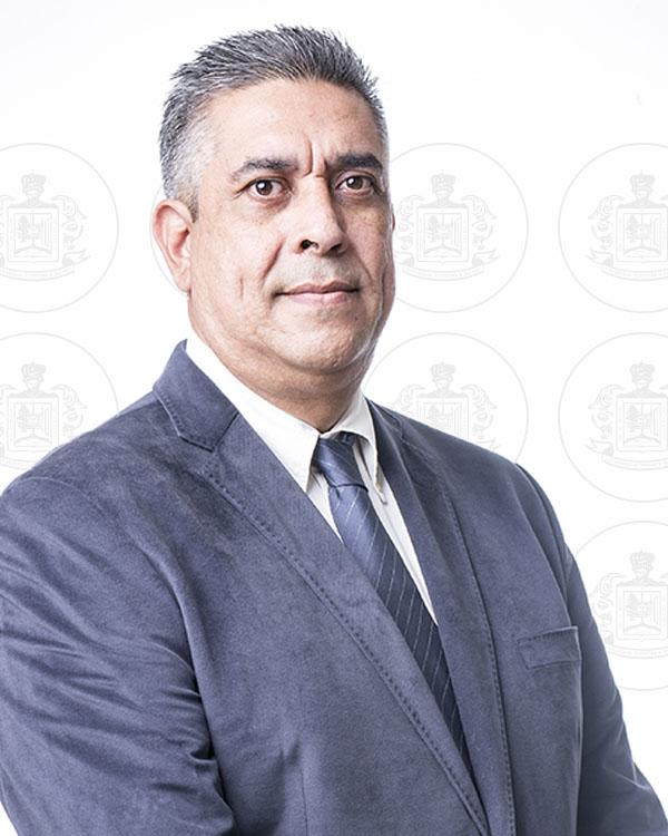 Dr. Fernando Flores Vilchez